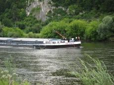 die Aschaff fährt durch die Donau